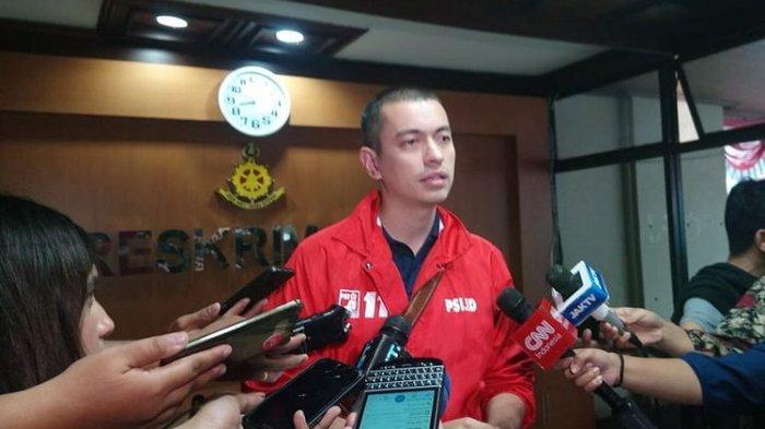 Rian Ernest Blak-blakan Sebut Anies Baswedan Hanya Pencitraan Tinjau Banjir DKI: Seolah-olah Peduli