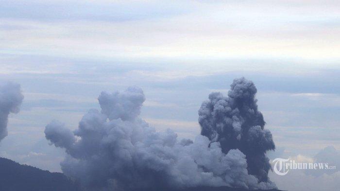 BREAKING NEWS: Gunung Anak Krakatau Erupsi Tinggi Kolom Abu 1.000 Meter