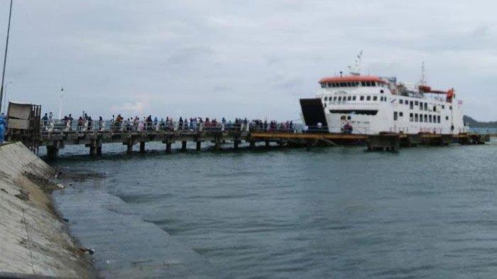 Larangan Kapal Beroperasi, Pengiriman Obat dan APD ke Pulau Bawean Terkendala