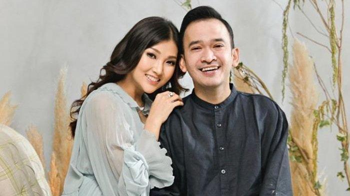 Ruben Onsu Emosi 'Semprot' Begini Pria Tak Dikenal Menggoda & Berusaha Peluk Sarwendah