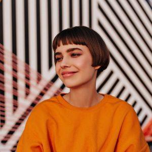 Inspirasi Warna Rambut 2021 Pendek Untuk Tampilan Segar dan Muda